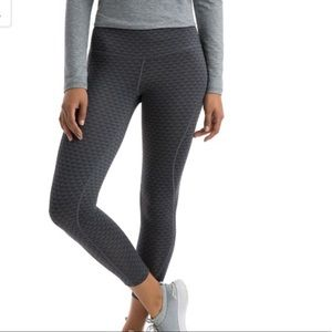 NWT vineyard vines whale tail cropped leggings XS
